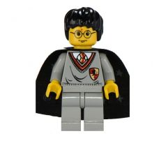 LEGO (4729) Harry Potter, Gryffindor Shield Torso, Light Gray Legs, Black Cape with Stars-Harry Potter: Sorcerer's Stone